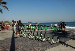 Cariocas podem localizar patinetes direto pelo Google Maps Foto: Brenno Carvalho / Agência O Globo
