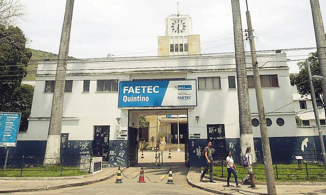 A unidade da Faetec em Quintino: empresa presta serviço por emergência às escolas desde fevereiro Foto: Rafael Moraes / 14-10-2016 / Agência O GLOBO