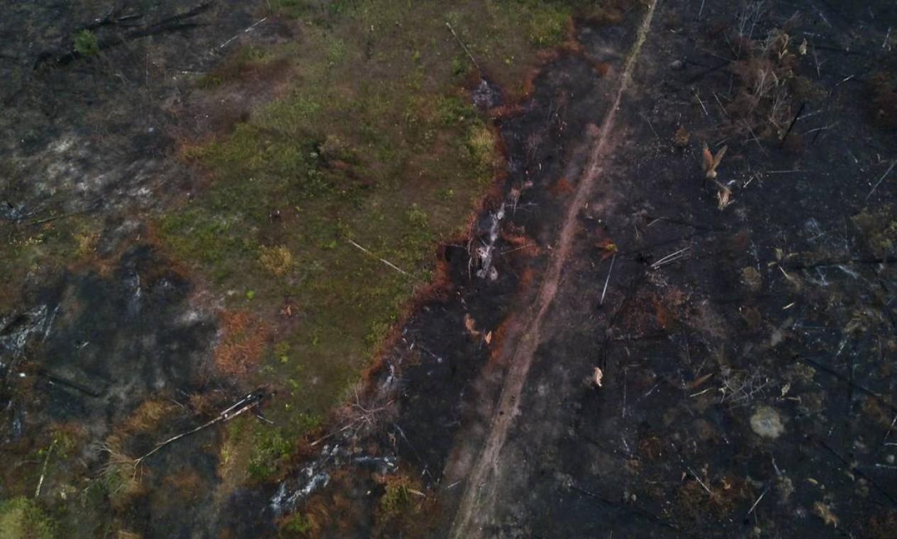 Vista aérea de terras incendiadas perto da Reserva Indígena - 29/08/2019 Foto: Gabriel Monteiro / Agência O Globo