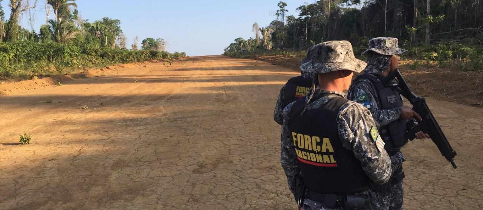 Agentes da Força Nacional deram apoio a operação do Ibama no território indígena Ituna Itatá, no sudeste do Pará Foto: Marco Grillo