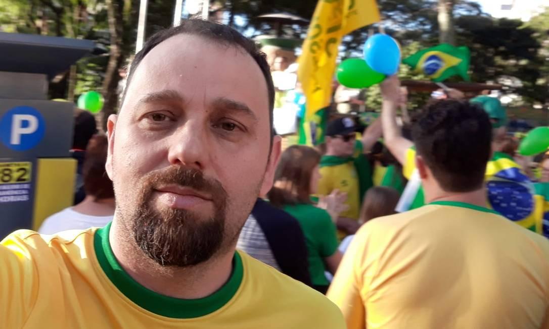 O reitor nomeado da UFFS, Marcelo Recktenvald, em ato no dia 26 de maio, cuja pauta nacional defendeu o presidente Jair Bolsonaro, o ministro Sergio Moro e atacou instituições como o Congresso e o STF Foto: Reprodução