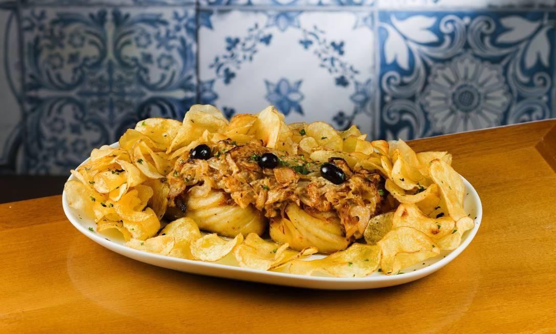 Bacalhau Tasca do Marquês é um dos principais pratos do menu do restaurante Foto: Vitor Faria / Divulgação