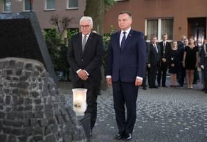 O presidente alemão Frank-Walter Steinmeier e seu par polonês, Andrzej Duda, durante cerimônia comemorativa dos 80 anos da invasão alemã na Polônia Foto: KRZYSZTOF SITKOWSKI / AFP