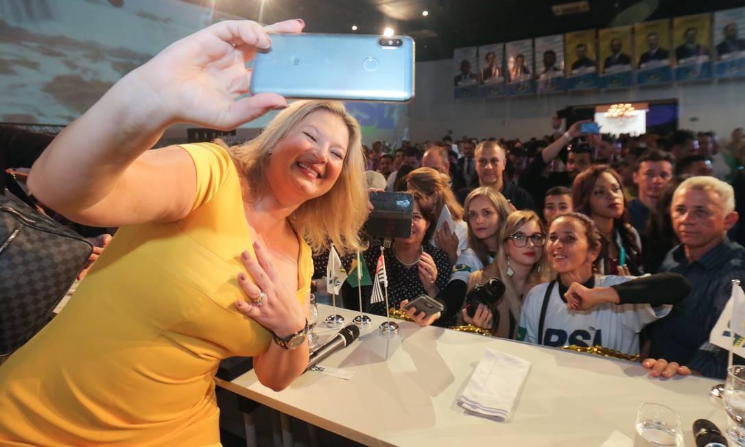 A deputada federal Joice Hasselmann durante lançamento da 1° campanha nacional de filiação do PSL, em Barueri Foto: Ricardo Matsukawa/Folhapress / Agência O Globo