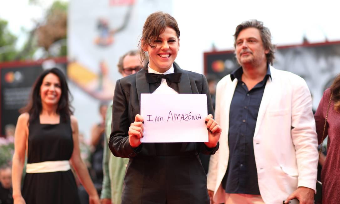 Bárbara Paz no Festival de Veneza Foto: Tristan Fewings / Getty Images