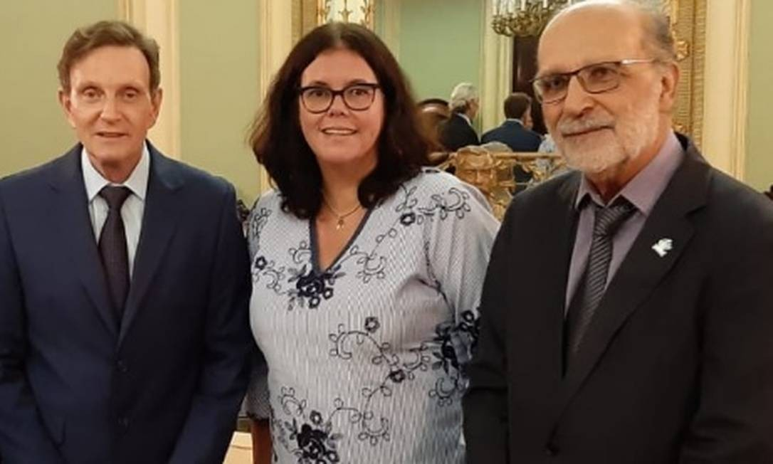 Marcelo Crivella, a secretária de Saúde, Beatriz Busch e Jorge Darze Foto: Divulgação