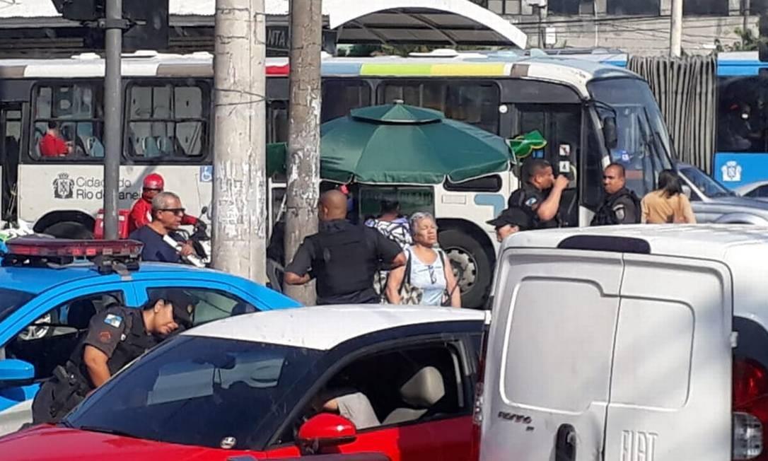 Protesto na Cidade de Deus bloqueou Rua Edgard Werneck Foto: Bia Rohen / Agência O Globo