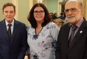 Crivella, a secretária de Saúde, Beatriz Busch, e Jorge Darze Foto: Divulgação