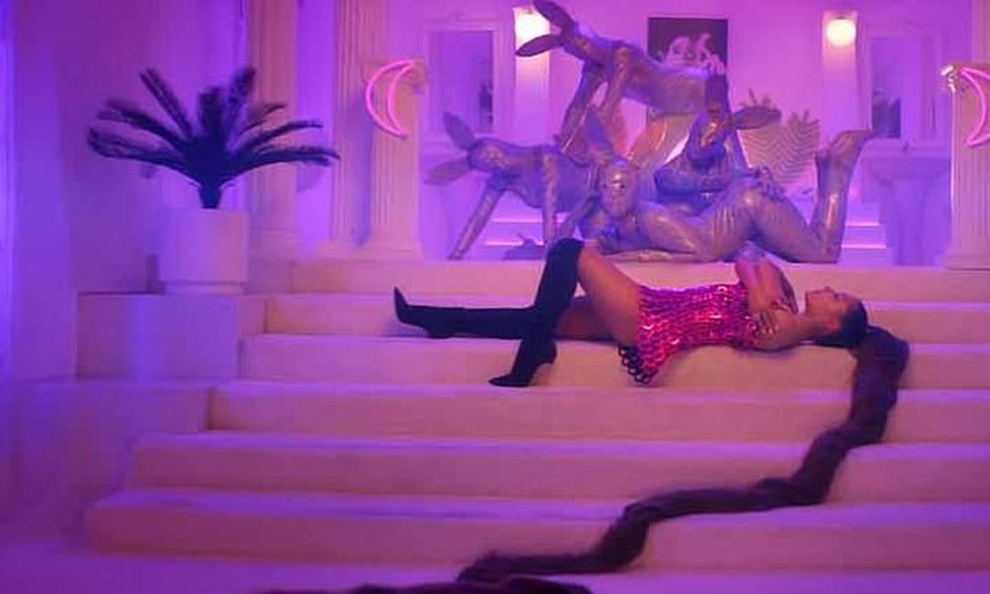 Ariana Grande em '7 Rings' Foto: Reprodução