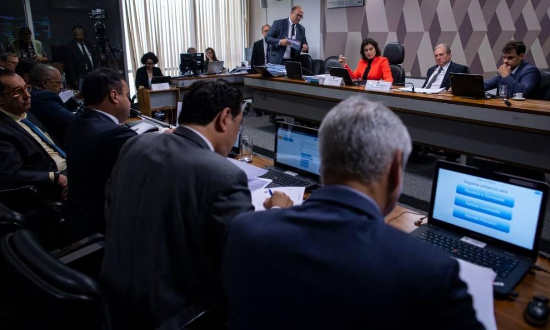 Relator da reforma da Previdência no Senado,Tasso Jereissati, fez mudanças no seu parecer apresentado à CCJ Foto: Daniel Marenco - Agência O Globo