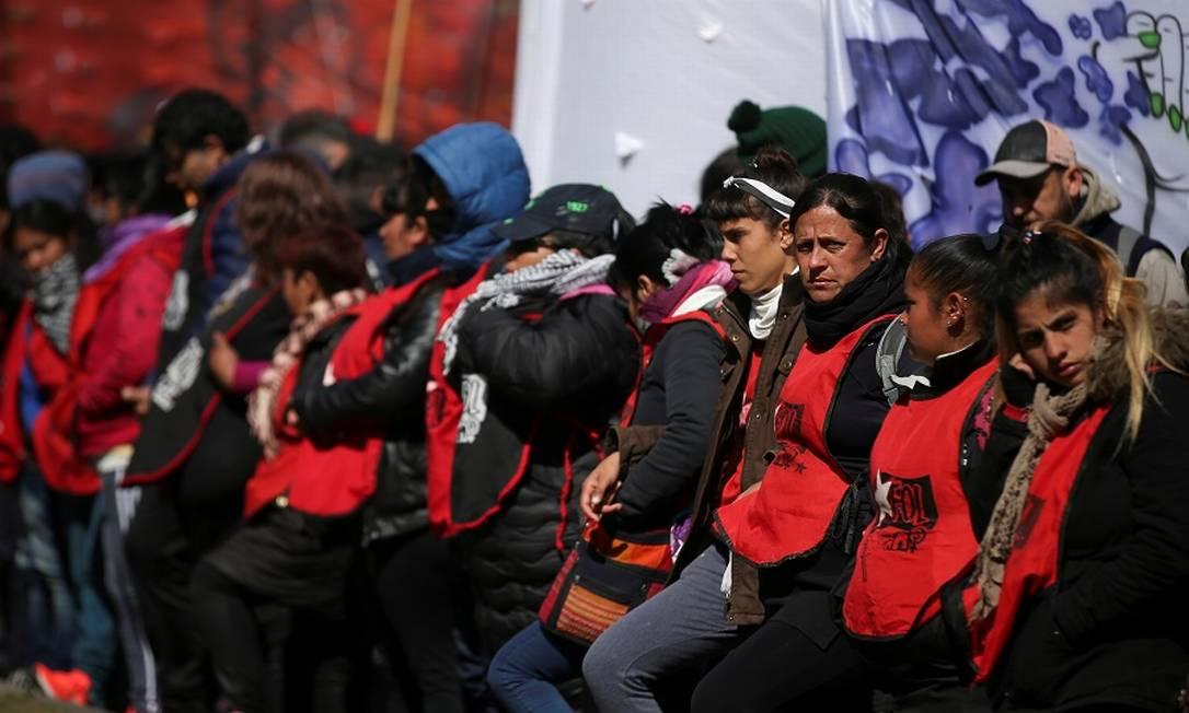 Manifestantes protestam em Buenos Aires. Foto: AGUSTIN MARCARIAN / REUTERS