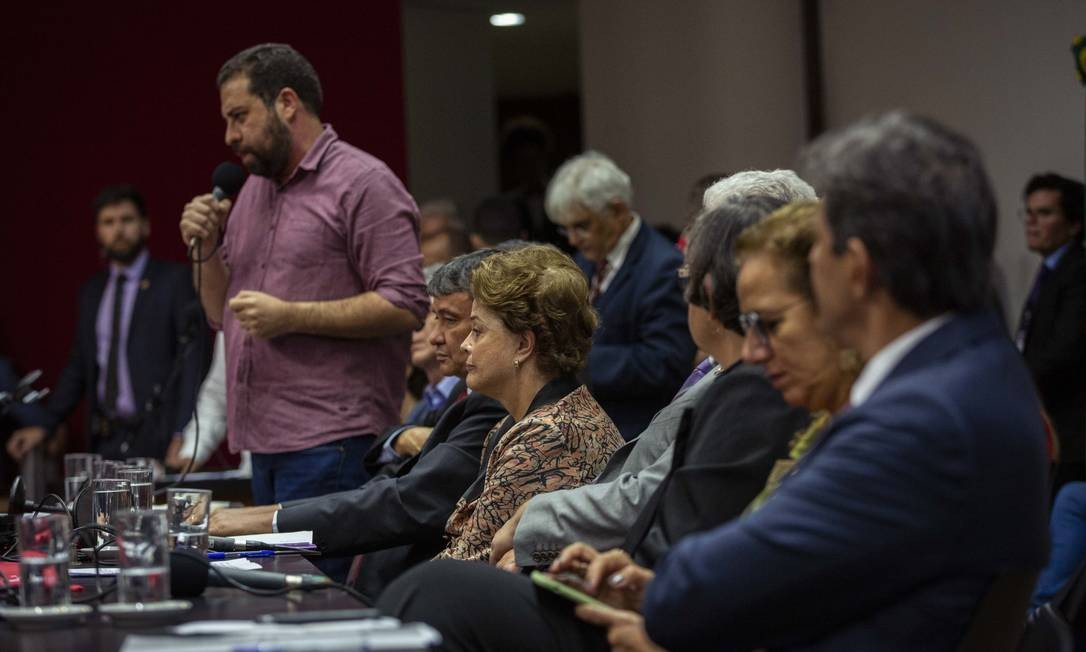 A ex-presidente Dilma Rousseff participou de evento com a presença dos ex-candidatos à presidência da República, Guilherme Boulos e Fernando Haddad Foto: Daniel Marenco / Agência O Globo
