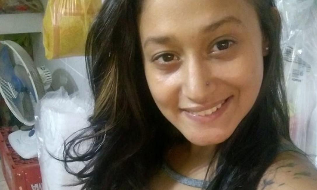 Alessandra de Freitas Horth, de 24 anos, foi encontrada morta, na última sexta-feira, próximo ao CemitérioNossa Senhora do Belém, conhecido como doCorte Oito, em Duque de Caxias, na Baixada Fluminense Foto: Reprodução / Rede social