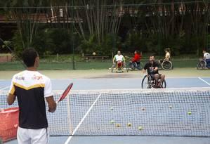 O Projeto Cadeiras na Quadra foi lançado no mês passado, no Marina Barra Clube Foto: Bruno Kaiuca / Agência O Globo