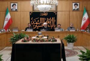Ao anunciar que o país retomaria o desenvolvimento de centrífugas para enriquecimento de urânio, presidente Hassan Rouhani ressaltou que seu país quer a energia nuclear apenas para fins pacíficos Foto: OFFICIAL PRESIDENT WEBSITE / VIA REUTERS