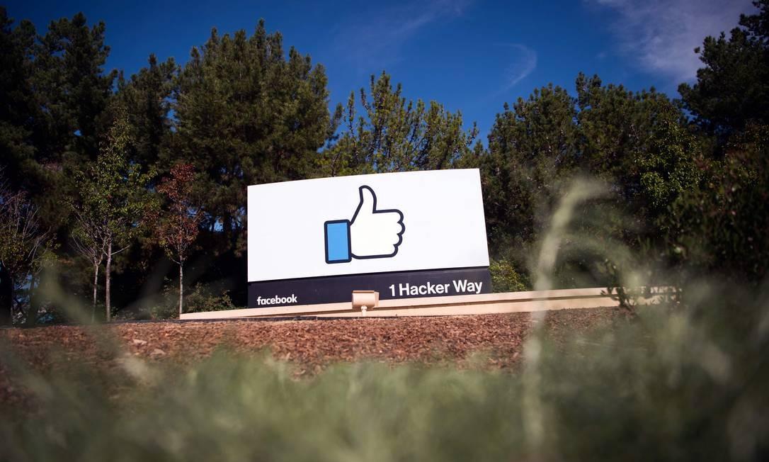 Mesmo após multa de US$ 5 bilhões, Facebook continua se envolvendo em escândalos de privacidade Foto: JOSH EDELSON / AFP