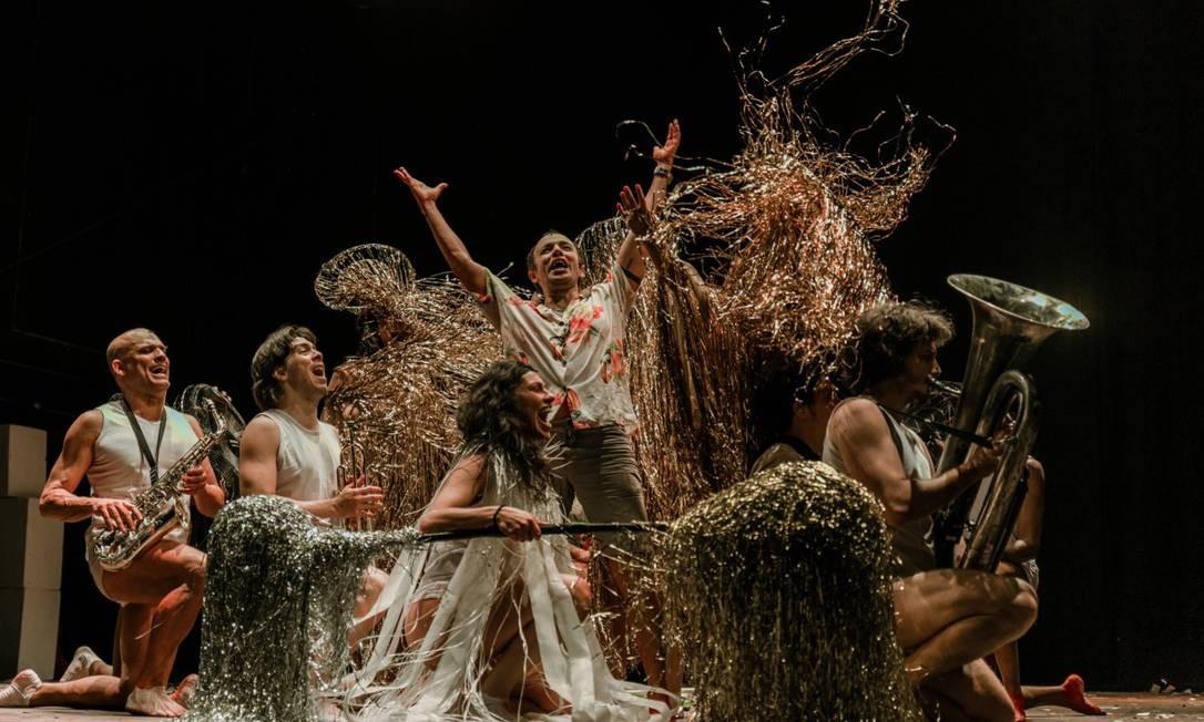 Adrén Alves, ao centro, é um dos três Macunaímas Foto: Divulgação/Lorena Zschaber