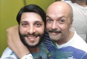 André (à direita) ao lado do namorado, Felipe Foto: Reprodução