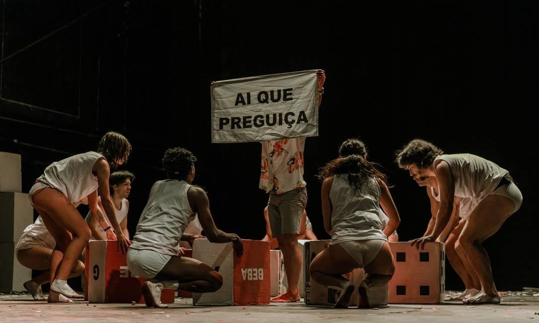 O espetáculo tem 180 minutos de duração Foto: Divulgação/Lorena Zschaber