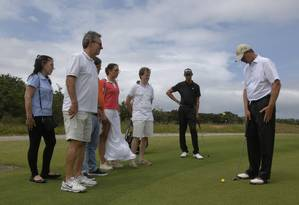 Participantes no campo de golfe durante edição do ano passado Foto: REGINALDO PIMENTA / Foto