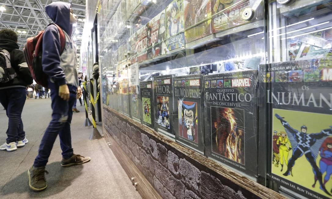 Estande Taverna do Rei, na Bienal, vendia o livro dos Vingadores que foi alvo de denúncia do prefeito Marcelo Crivella Foto: Gabriel Paiva / Gabriel Paiva