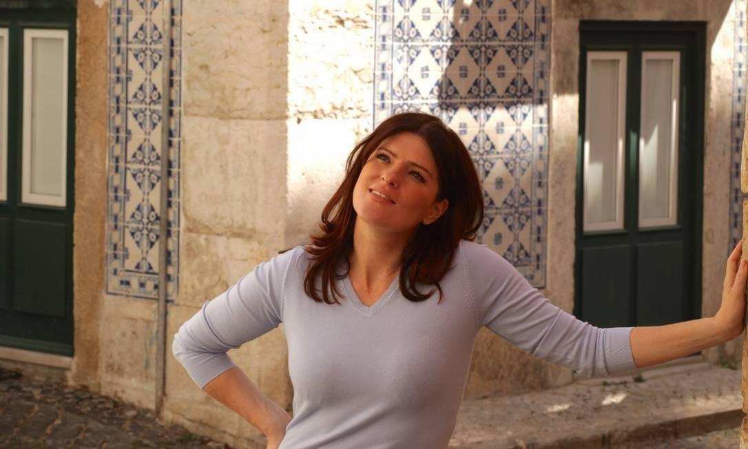 A chef Mariana Vidal, numa esquina da Baixa, no centro de Lisboa Foto: Isabel Becker / Divulgação