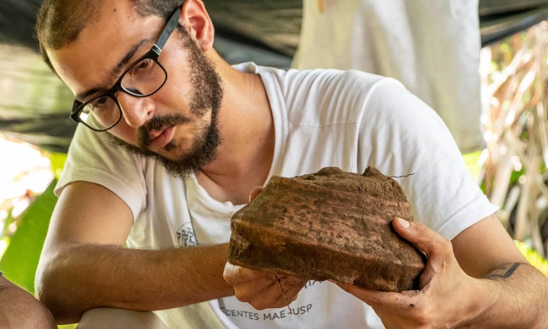 Rafael Lopes, arqueólogo e pesquisador que trabalhou no sítio Foto: Bernardo Oliveira