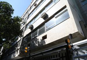 Prédio na Zona Sul do Rio: segundo a Cbic, são os imóveis de alto padrão que têm movimentado o mercado Foto: Pedro Teixeira / Agência O Globo