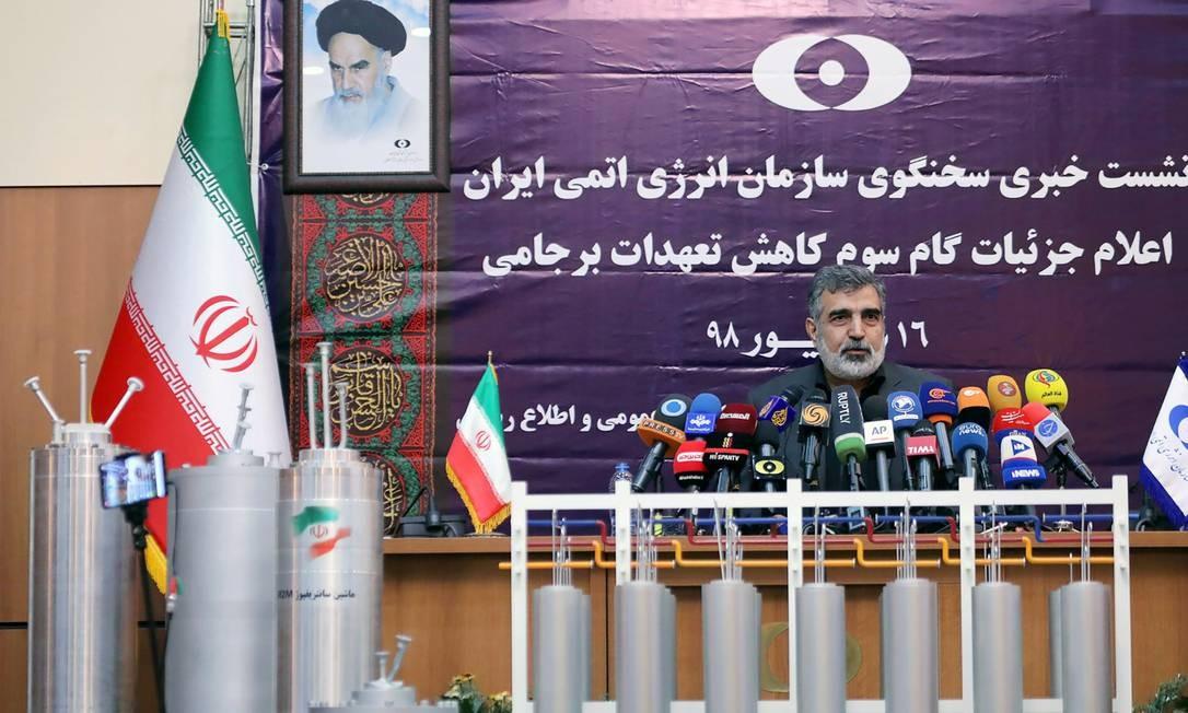 o porta-voz da agência nuclear iraniana,BehrouzKamalvandi, anuncia avanços no enriquecimento de urânio Foto: WANA NEWS AGENCY / WANA via REUTERS