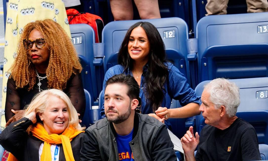 Meghan sentou ao lado da mãe de Serena, Oracene Price Foto: Gotham / GC Images