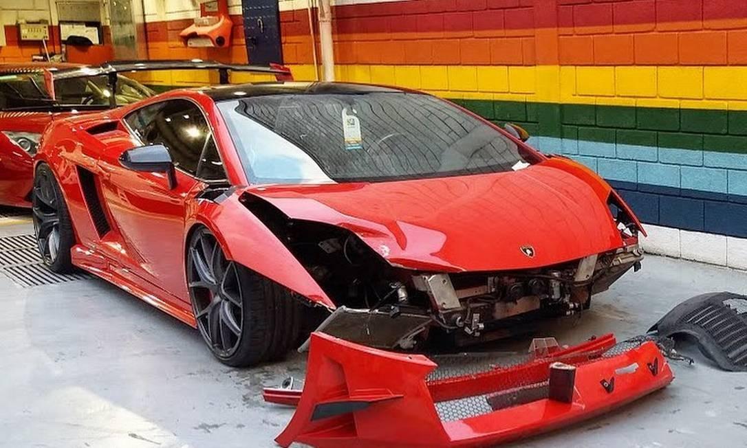 Lamborghini Super Trofeu Stradale ficou com a dianteira muito danificada Foto: Reprodução/Instagram @acelerados