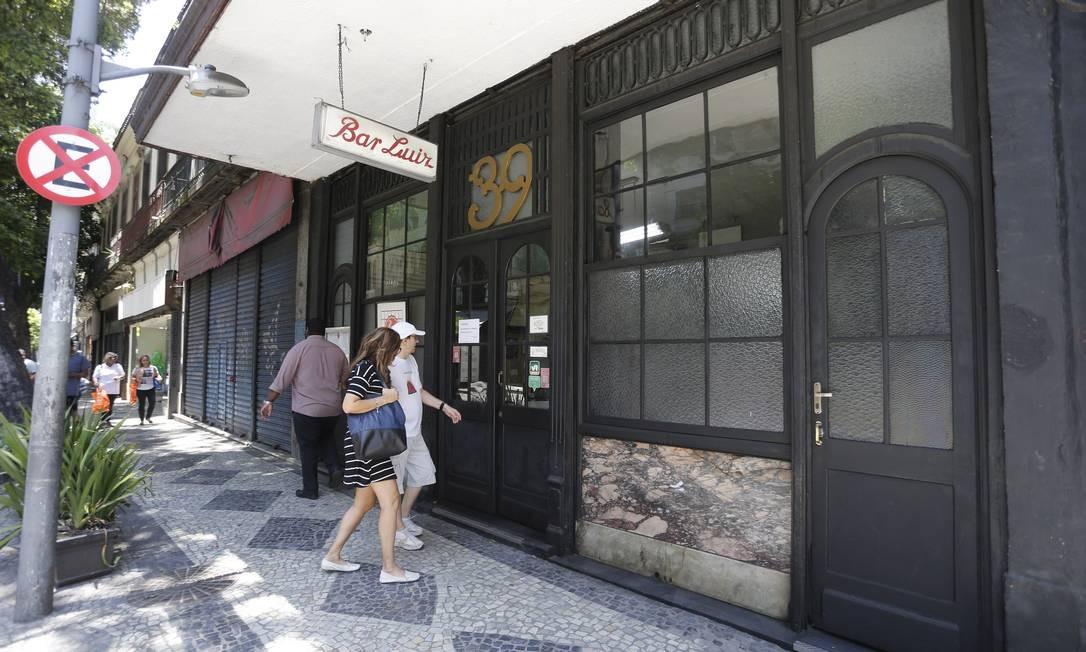 Entrada do Bar Luiz, na Rua da Carioca, no Centro Foto: Domingos Peixoto / Agência O Globo