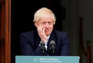 Boris Johnson, durante entrevista coletiva ao lado do premier irlandês Leo Varadkar Foto: PHIL NOBLE / REUTERS
