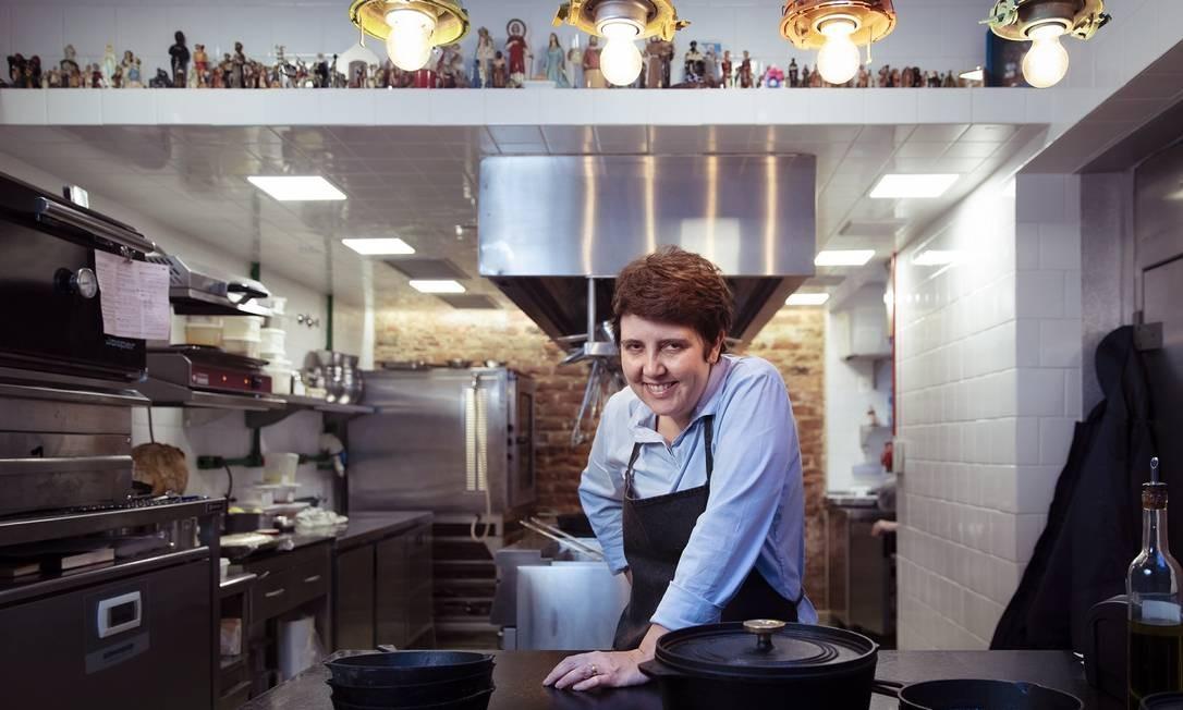 A chef Roberta Sudbrack: jantar para manter o Bar Luiz aberto Foto: Leo Martins / Agência O Globo