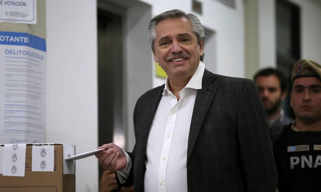 Alberto Fernández voto nas primárias do início de agosto: candidato peronista à Presidência da Argentina teria uma vantagem ainda maior hoje sobre o atual presidente Mauricio Macri Foto: Agustin Marcarian/REUTERS/11-08-2019