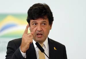 O ministro Luiz Henrique Mandetta disse que o novo procedimento é uma recomendação da OMS Foto: Jorge William / Agência O Globo