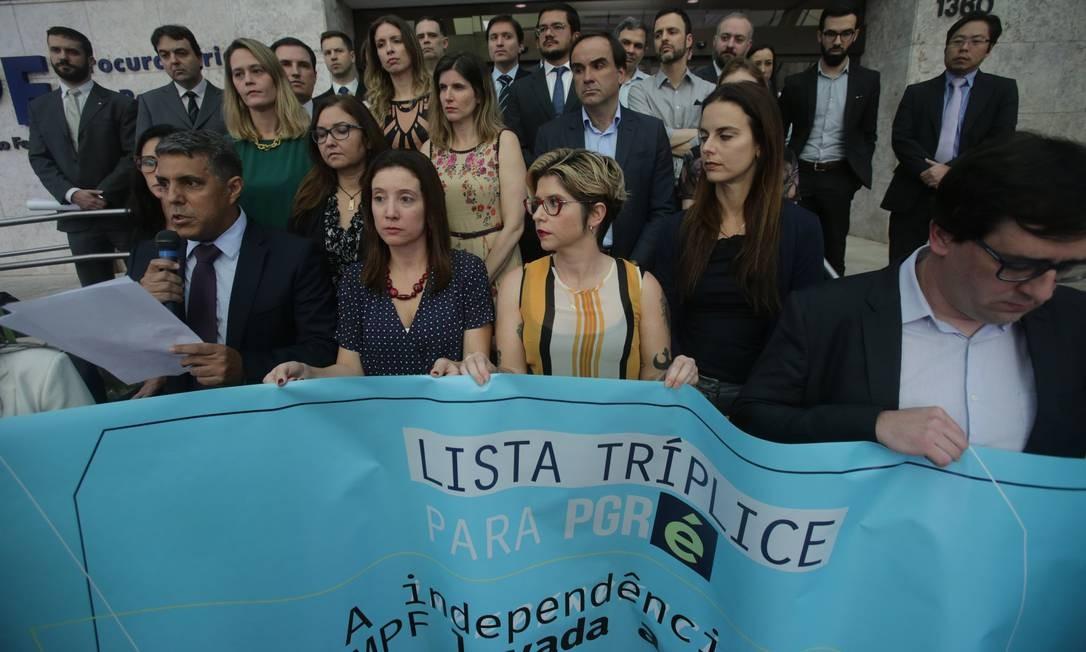 Em setembro do ano passado, procuradores federais de São Paulo realizaram ato contra a nomeação de Augusto Aras para comandar a PGR Foto: NILTON FUKUDA / Agência O Globo