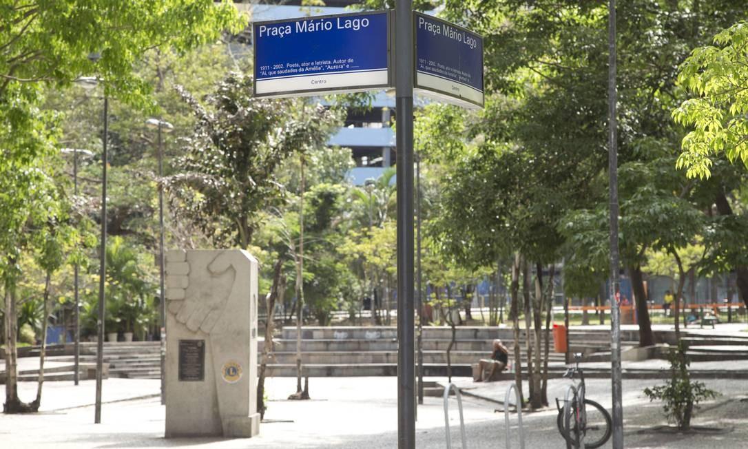 O prefeito Marcelo Crivella mandou para o Legislativo projeto que restaura os parâmetros urbanísticos que vigoraram antes de 1986, que permitem prédios de 20 andares ou mais no Centro Foto: Márcia Foletto / Agência O Globo