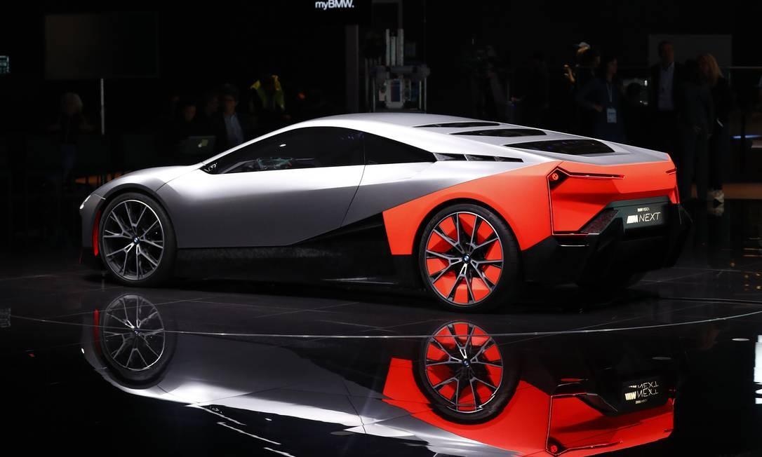 Um BMW Vision M Next de luxo, elétrico, fabricado pela Bayerische Motoren Werke, é exibido no Salão do Automóvel de Frankfurt, na Alemanha Foto: Alex Kraus / Bloomberg