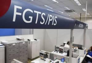 Agência da Caixa Econômica Federal: haverá atendimento especial para atender os trabalhadores Foto: Guito Moreto- Agência O Globo