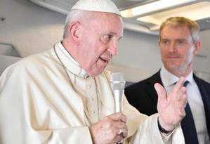 O Papa Francisco, durante conversa com jornalistas no voo de volta da África ao Vaticano Foto: Vatican News