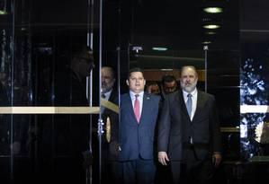 O suprocurador Augusto Aras, indicado por Bolsonaro para a PGR, e o presidente do Senado, Davi Alcolumbre 10/09/2019 Foto: Daniel Marenco / Agência O Globo