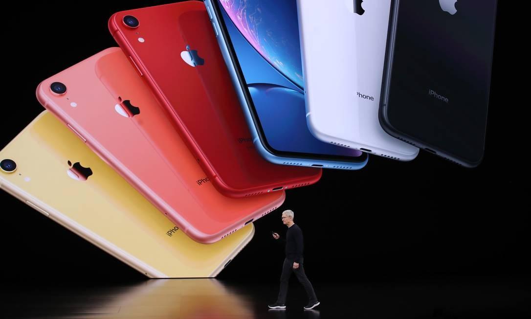 O CEO da Apple, Tim Cook, anuncia o novo iPhone 11 durante um evento especial no Teatro Steve Jobs, em Cupertino, Califórnia. A Apple apresentou novos produtos durante o evento Foto: JUSTIN SULLIVAN / AFP