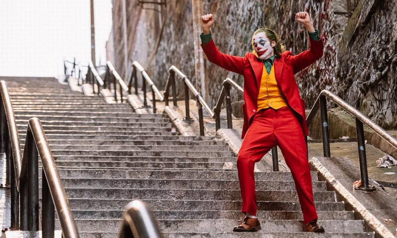 Vitória no festival italiano alavanca o filme na corrida pelo Oscar de 2020, amparado pela elogiada performance de Joaquin Phoenix no papel-título Foto: Niko Tavernise / Niko Tavernise