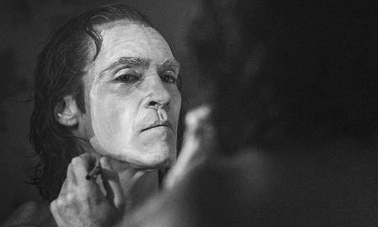 """Roteiro de Todd Phillips e Scott Silver tem inspiração em elementos de """"A piada mortal"""" (1988), de Alan Moore e Brian Bolland, mas segue caminho original para contar a história do vilão Foto: Divulgação"""
