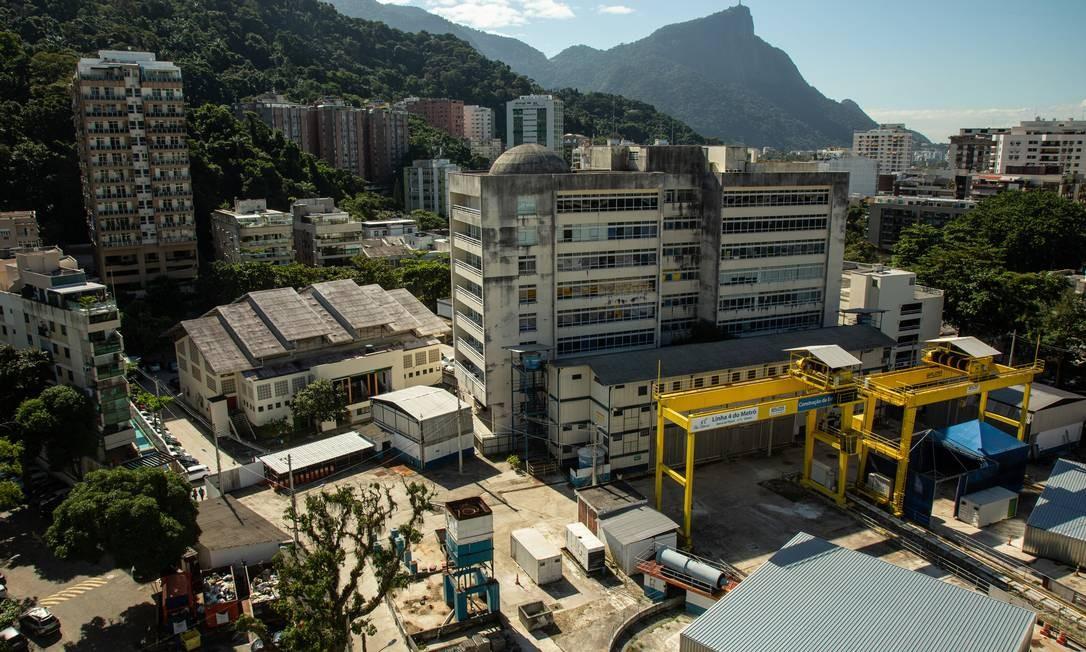 A manutenção da estação alagada é motivo de divergências Foto: Brenno Carvalho / Agência O Globo