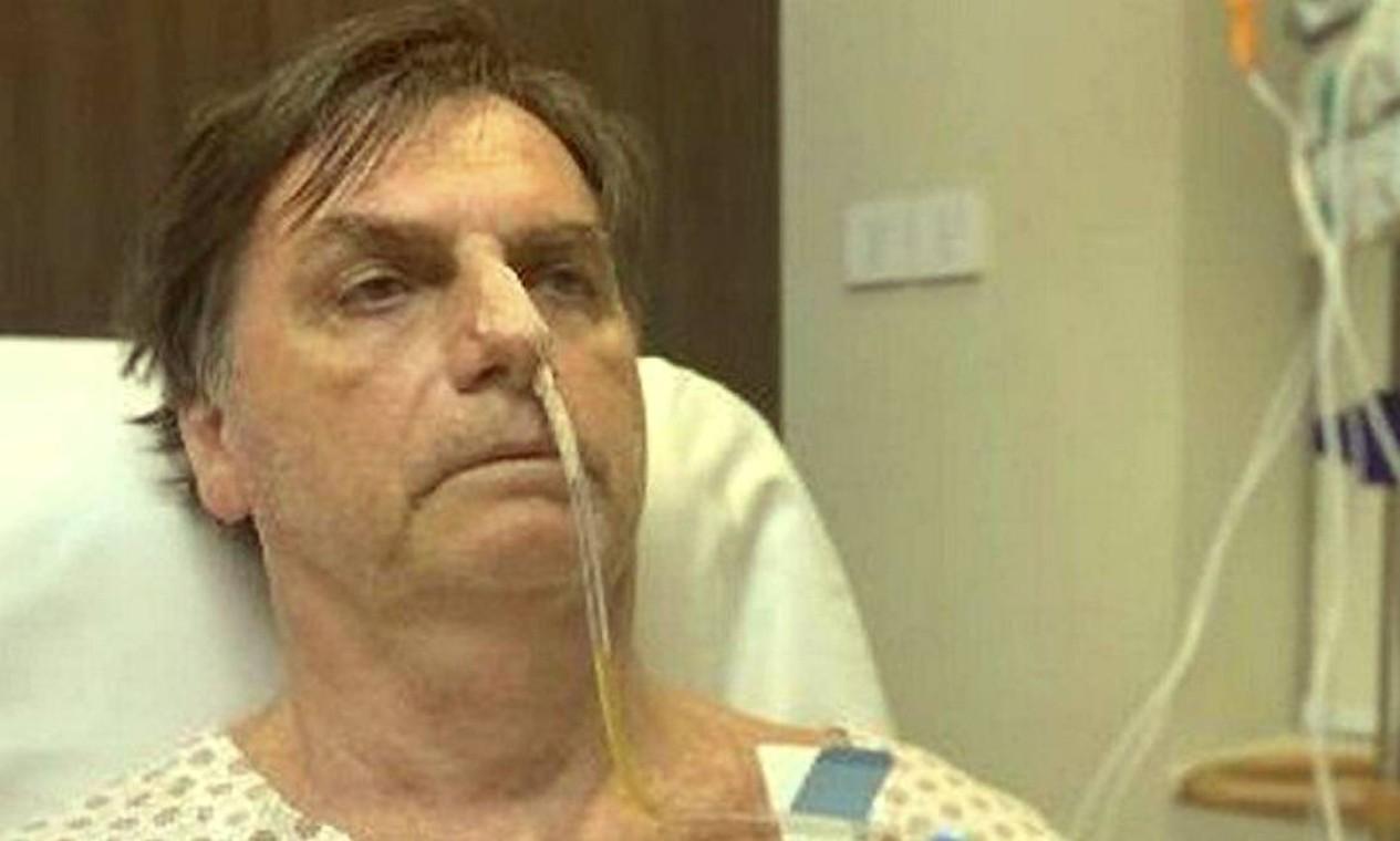 Em razão dos problemas intestinais, os médicos decidiram submeter o presidente à passagem de uma sonda nasogástrica (tubo que vai de seu nariz até seu estômago para nutrição ou drenagem) Foto: Terceiro / Reprodução/twitter