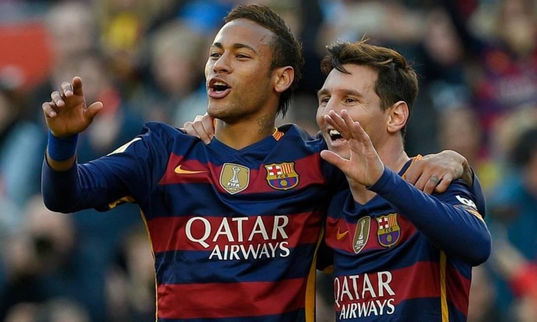 Neymar e Messi juntos no Barcelona em 2016 Foto: LLUIS GENE/AFP