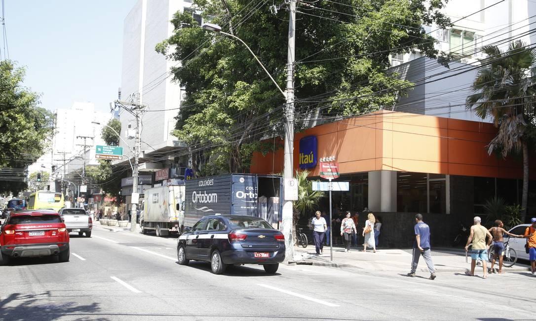 Vítimas são correntistas da agência do Itaú da Rua Gavião Peixoto, em Icaraí Foto: Fábio Guimarães / Agência O Globo