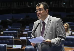 O senador Eduardo Braga (AM) será o relator da indicação de Aras para a PGR Foto: Jefferson Rudy/Agência Senado